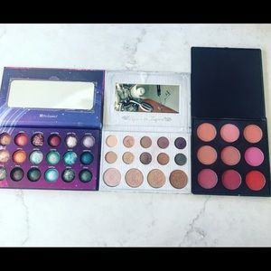 Eyeshadow and blush palettes